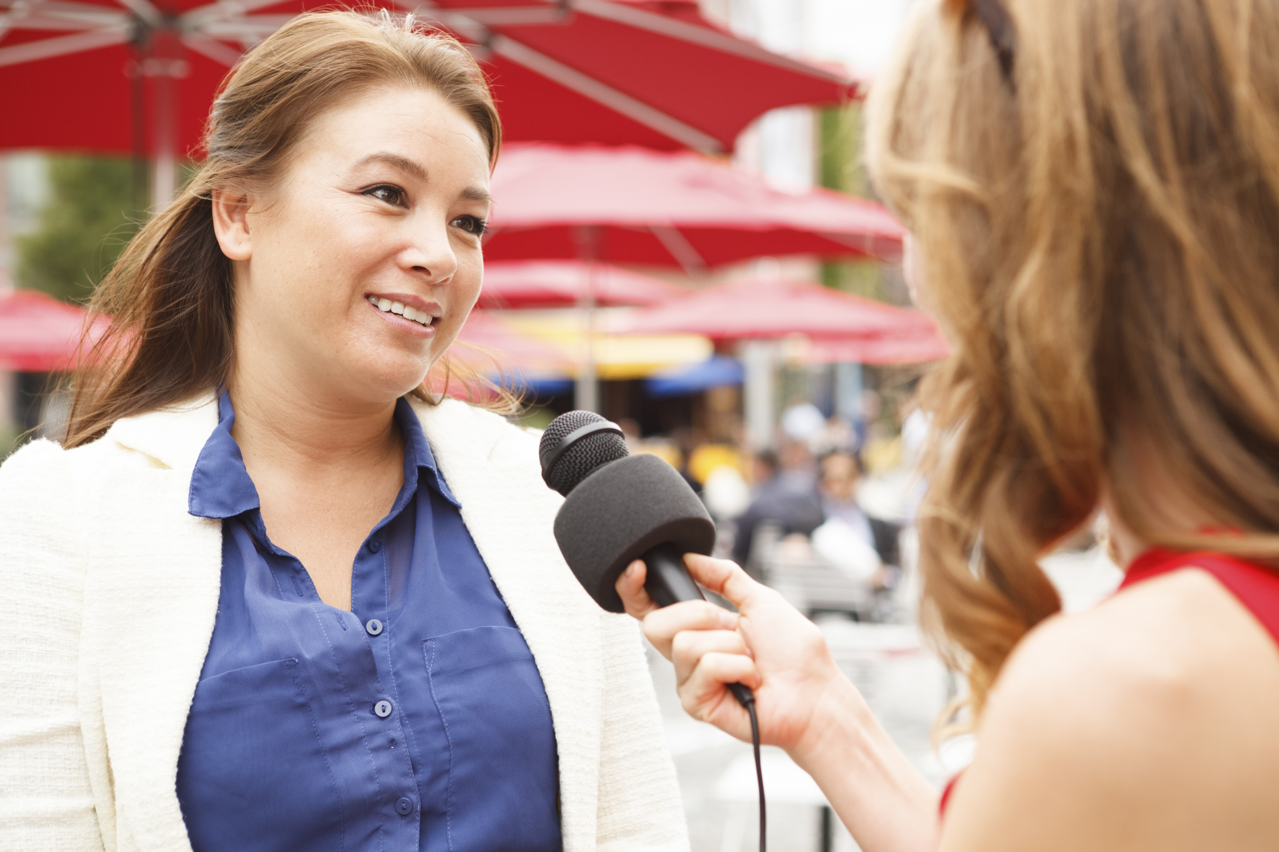 Why Presenters Should Think Like Journalists